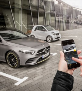 Privates Car Sharing: Die neue A-Klasse ist für privates Car Sharing schon vorbereitet: Über Mercedes me lässt sich der neue Kompakte mit Freunden und Familienmitgliedern teilen. Die Bedienung erfolgt einfach und sicher über die Mercedes me App Car Sharing von Mercedes-Benz. Private car sharing: The new A-Class is already set up for private car sharing: Mercedes me allows the new compact car to be shared with friends and family members. Operation is simple and secure using the Mercedes me app Car Sharing.